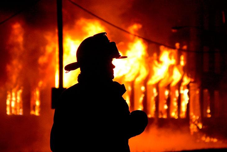К чему можно спасать детей из пожара?