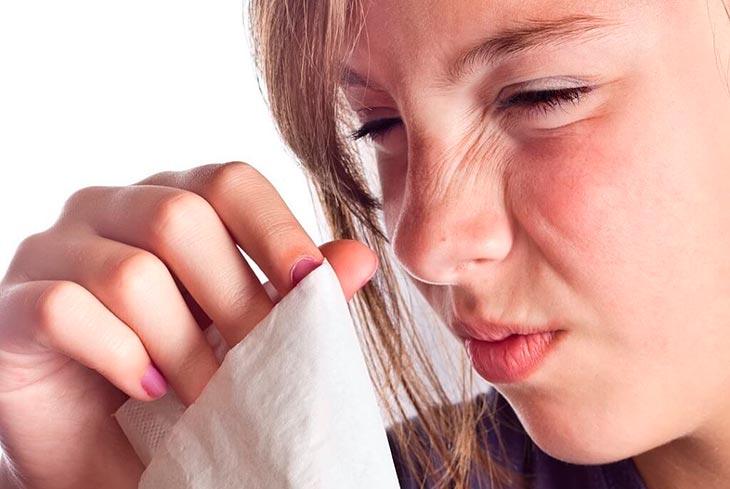Причины зуда в носу
