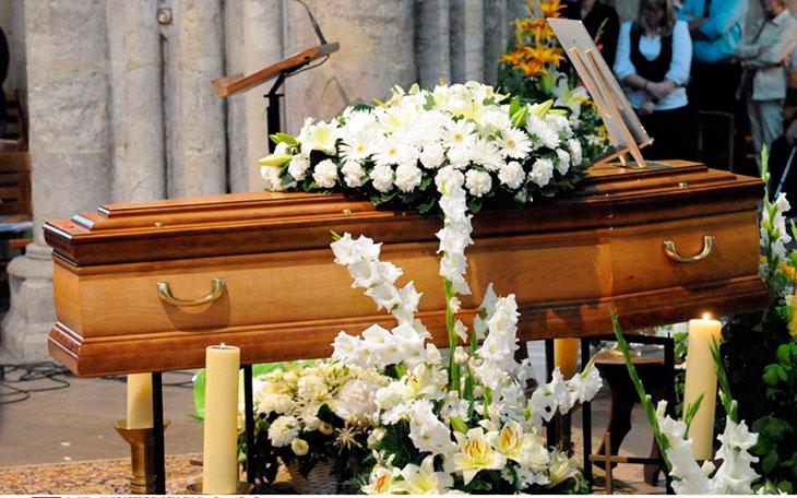 Что означает гроб во сне путешественникам