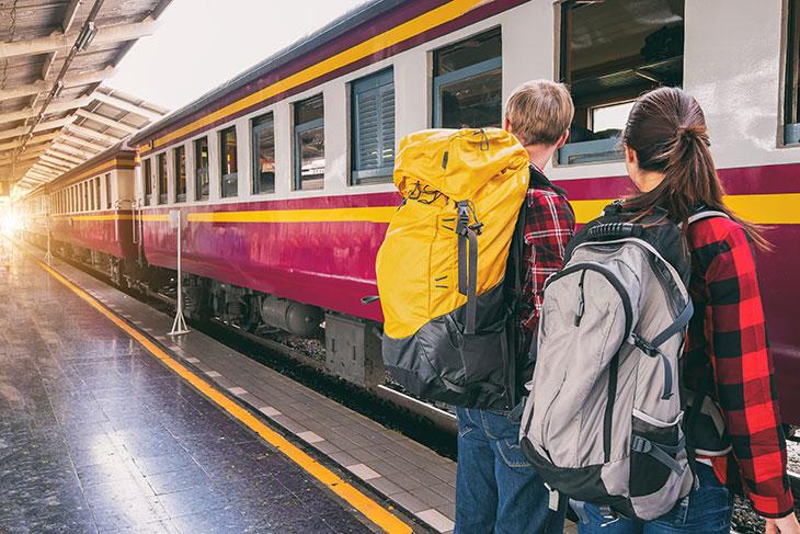 Отстать, догонять или опоздать на поезд во сне