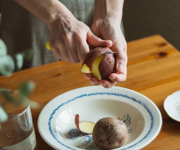 К чему снится копать картошку