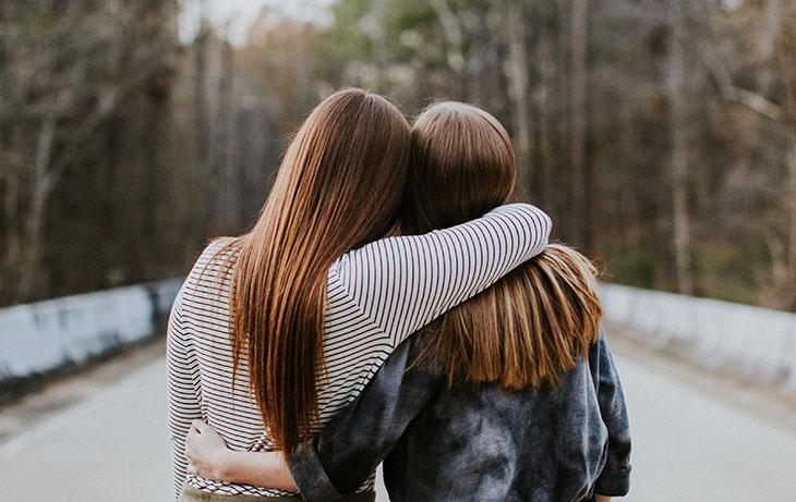 К чему снится непривычное состояние подруги?