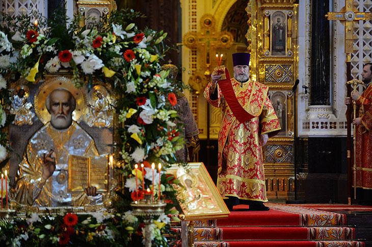 Икона Николая Чудотворца помогает неверующему